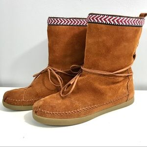 Toms Nepal Moccasin Boots Suede Leather Aztec